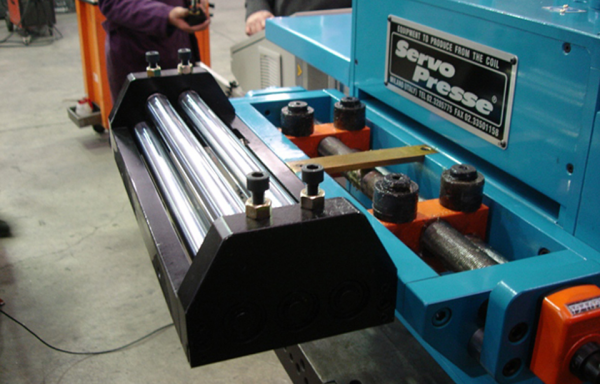 ELECTRONIC ROLLS FEEDERS